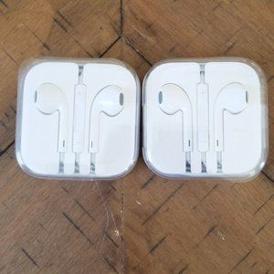 New Apple EarPods